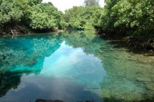 Blue Hole: trou d'eau de mer et eau douce en recul de l'océan