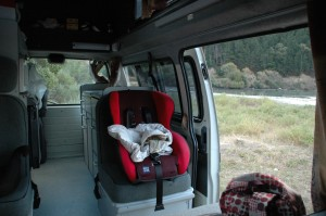 Partie arrière en position routière avec fauteuil de Sabah