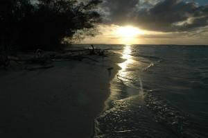 Couché de soleil sur la plage d'Ouvéa
