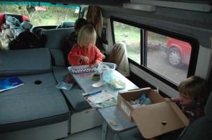 Activite ludique dans camping car