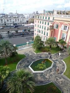 Jardin du palais surplombant le port