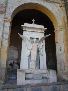 Sculpture du cimetière